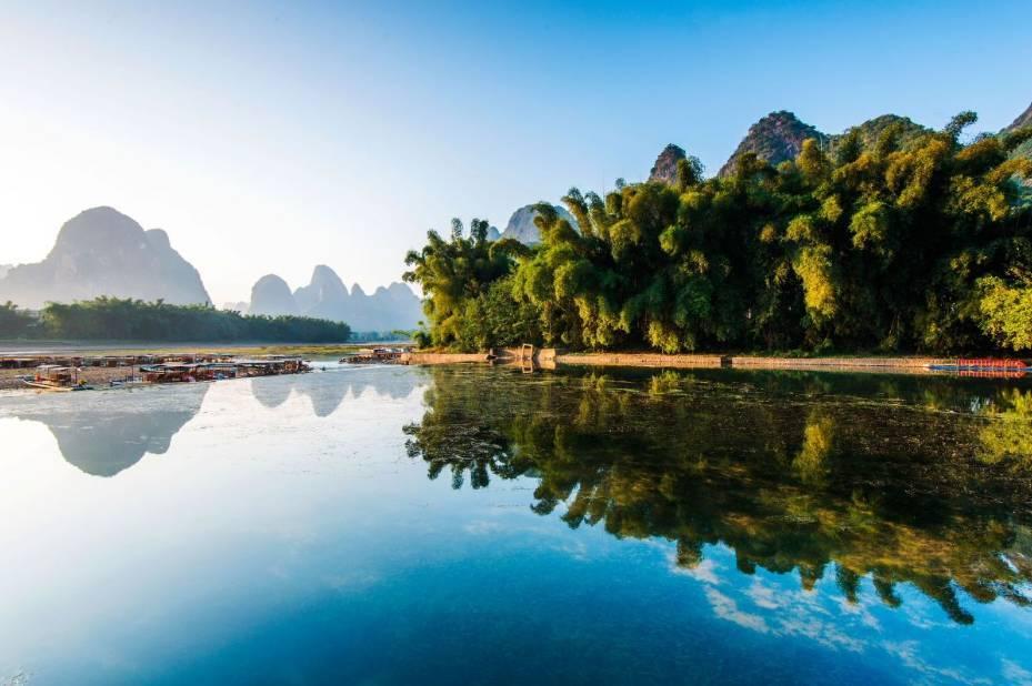 桂林、阳朔、大漓江、刘三姐大观园双飞五日游