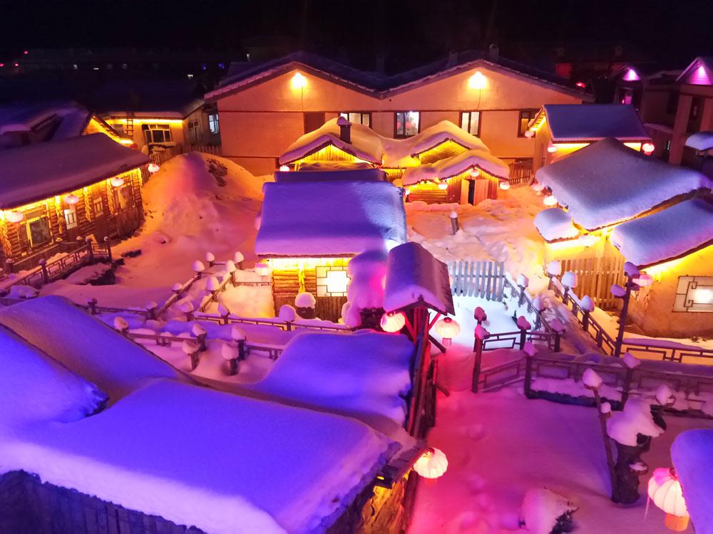 哈尔滨·中国雪乡·亚布力 5S 滑雪场·雪地摩托·冰雪画廊·马拉爬犁·冰凌谷·俄罗斯家访