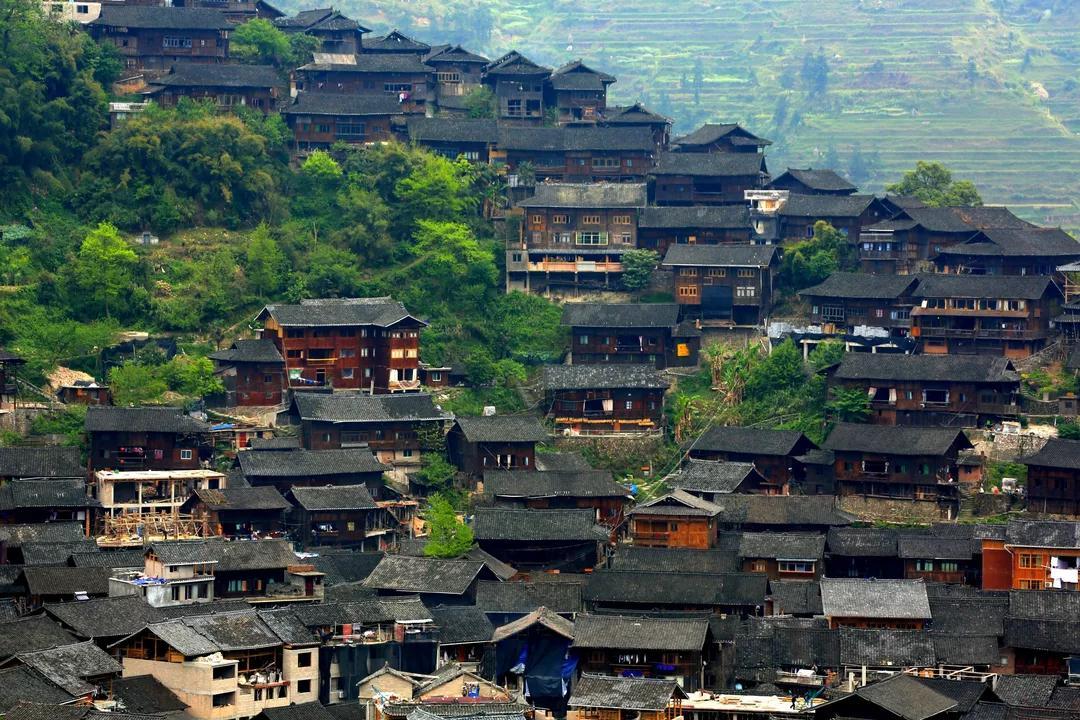贵州黄果树、荔波小七孔、西江苗寨、青岩古镇、下司古镇双飞五日游