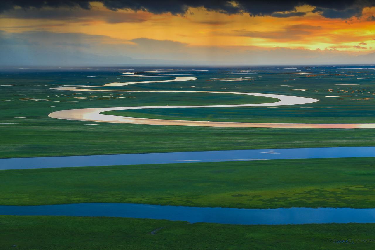 乌鲁木齐、天山天池、吐鲁番、赛里木湖、巴音布鲁克、那拉提草原双飞八日游