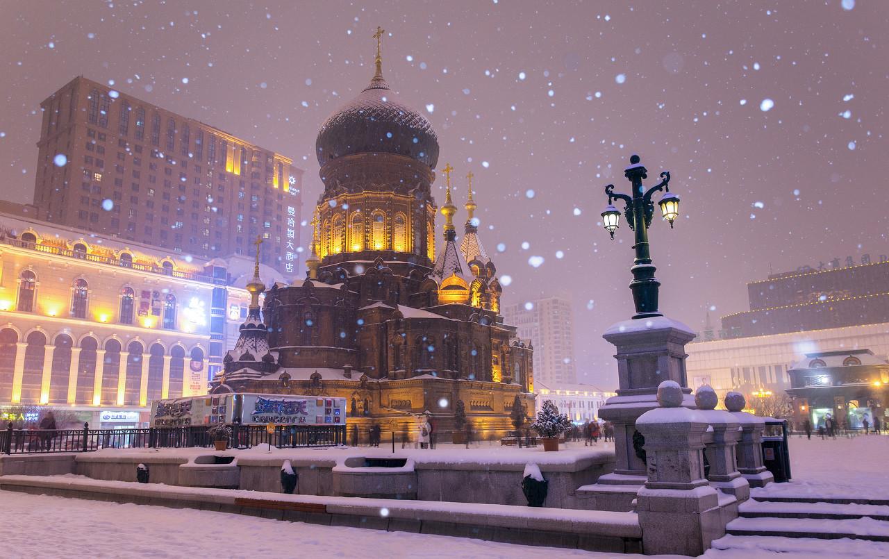 哈尔滨、亚布力、中国雪乡、冰雪画廊、冰雪大世界精品双飞6日游