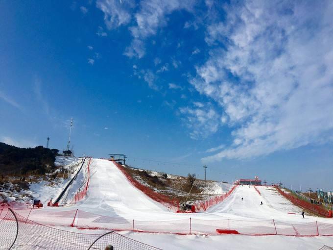 探路者嵩顶滑雪